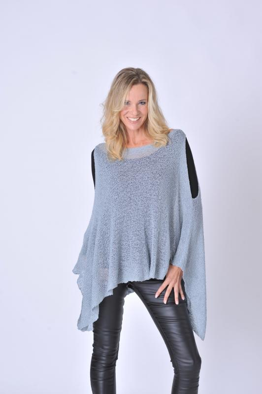 Miki Poncho 3 Hole double